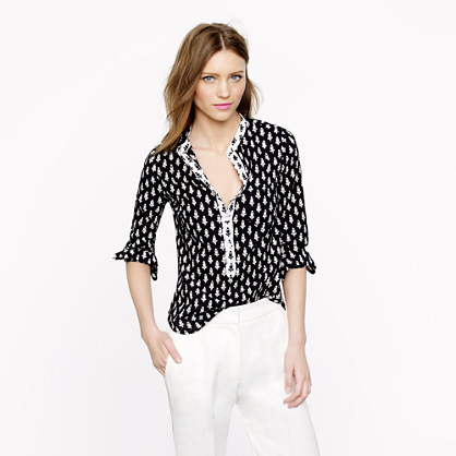 Petite collarless shirt in thistle print