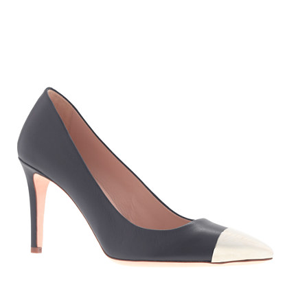 Collection Everly cap toe pumps
