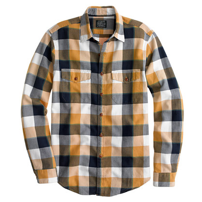 Slim flannel shirt in classic herringbone plaid
