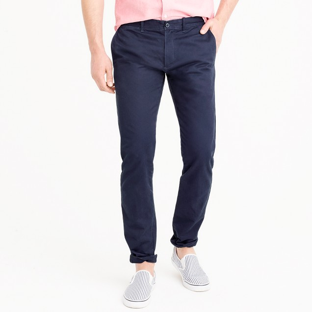 Broken-in chino pant in 484 slim fit