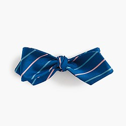 Silk bow tie in vintage navy stripe