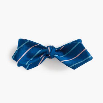 Silk bow tie in vintage navy stripe