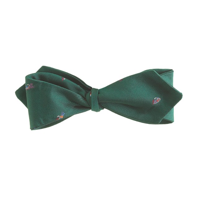 Silk bow tie with embroidered fish lures