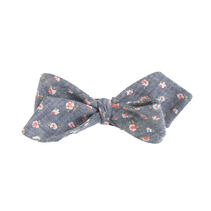 Chambray bow tie in floral