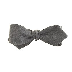 Italian wool flannel bow tie