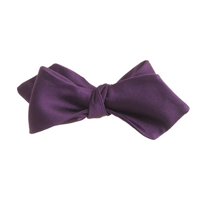 English satin point bow tie in dark eggplant