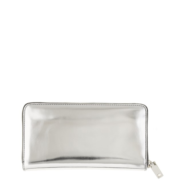 Continental zip wallet in metallic leather