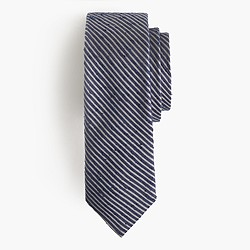 Textured English silk tie in microstripe