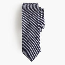 Textured English silk tie in microstripe