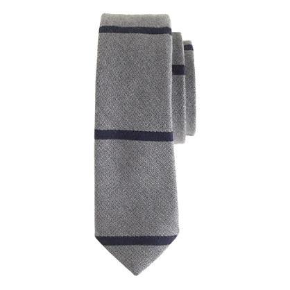 English wool-silk tie in graphite stripe