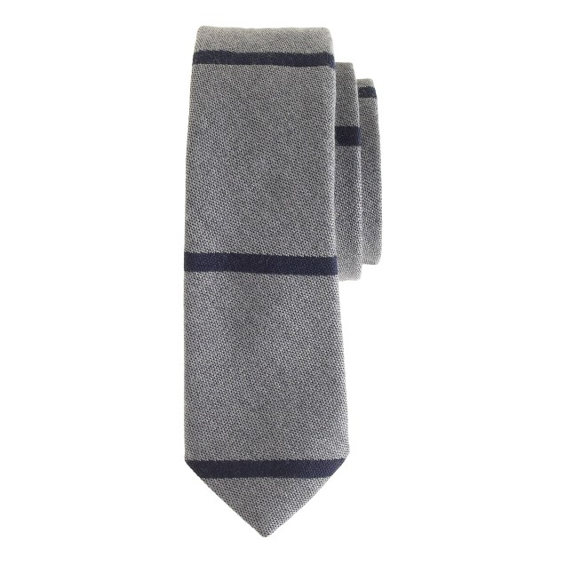 English wool-silk tie in graphite stripe