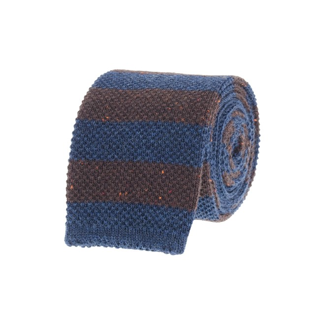 Horizontal-stripe knit tie