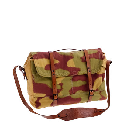 Wallace & Barnes upland messenger in camo