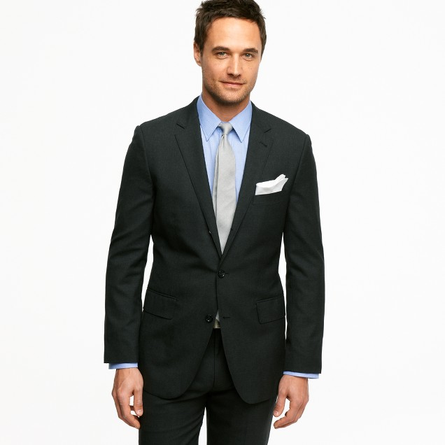 Aldridge three-button suit jacket with center vent in Italian wool