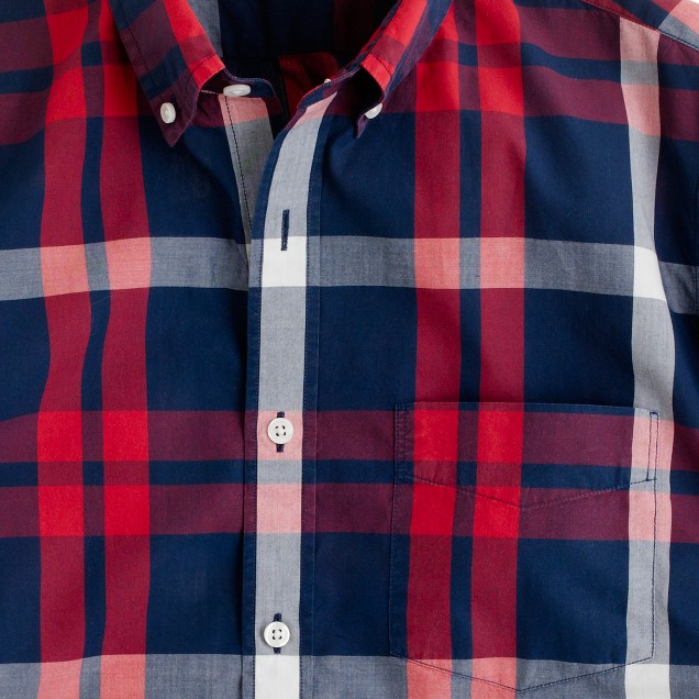 Lightweight short-sleeve shirt in vintage navy plaid