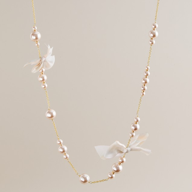 Colored pearl-and-ribbon necklace
