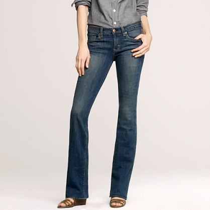 Bootcut jean in dance off wash