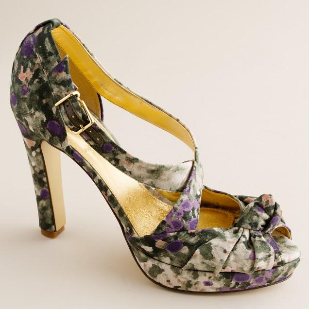 Love-me-knot printed platform heels