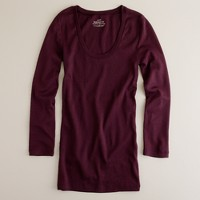Perfect-fit scoopneck tee