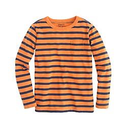 Boys' long-sleeve pocket tee in slim stripe
