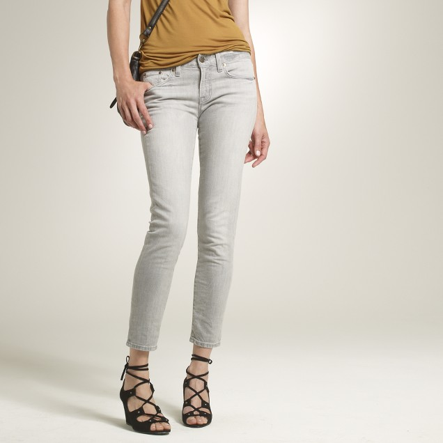 Ankle stretch toothpick jean in smoke wash