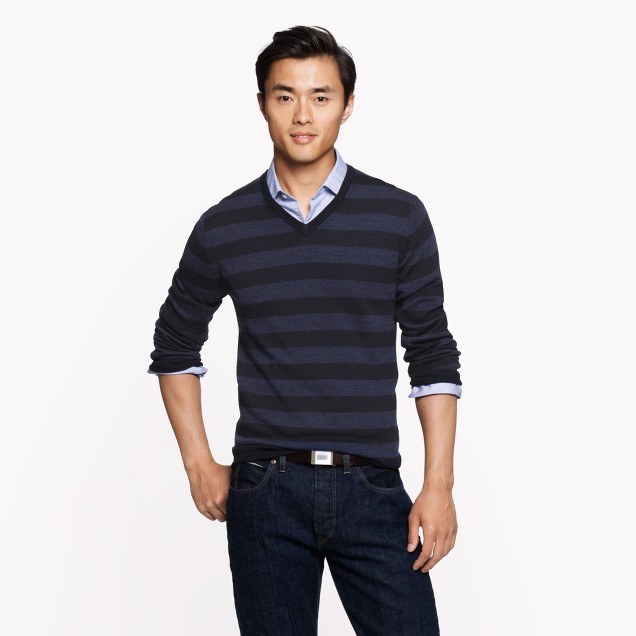 Merino V-neck sweater in heather night stripe