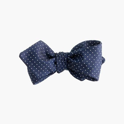 English silk bow tie in pindot