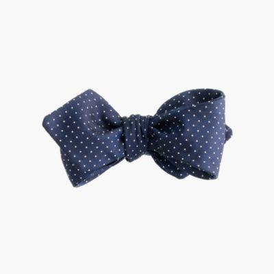 English silk bow tie in pindot