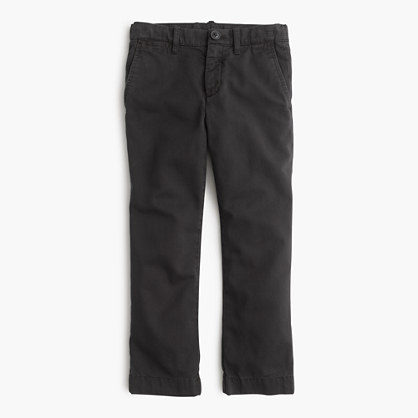 Boys' garment-dyed chino in slim fit