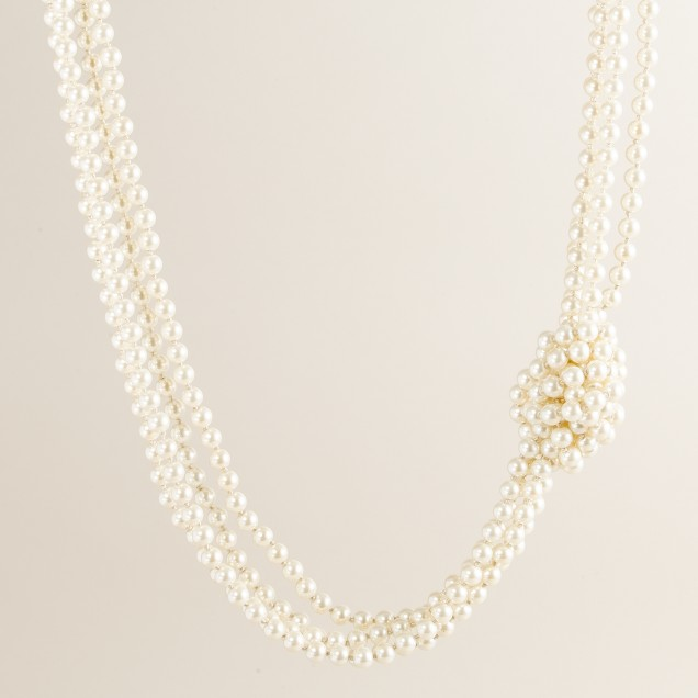 Knotty pearl necklace
