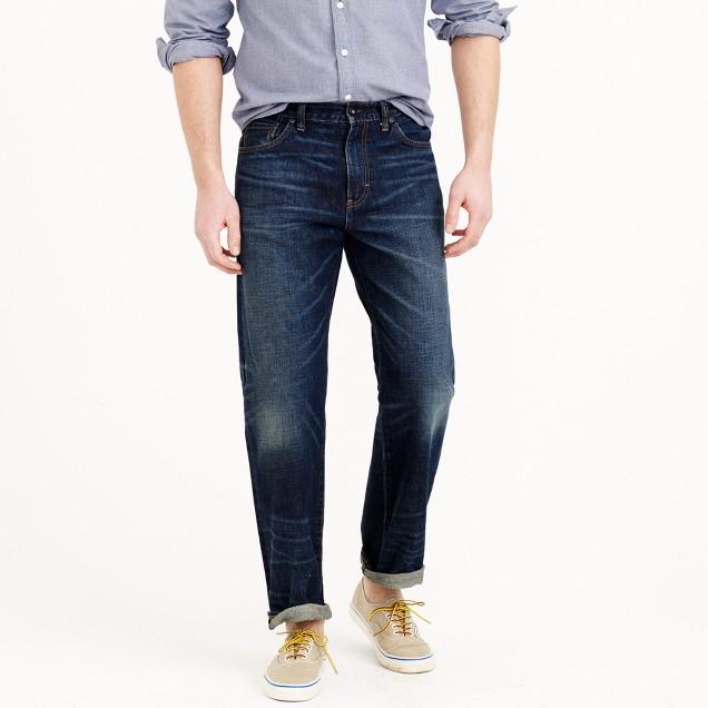 Relaxed jean in dark worn wash