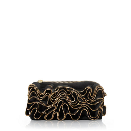 Zigzag zipper clutch