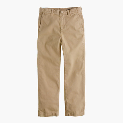 Boys' garment-dyed chino in straight fit