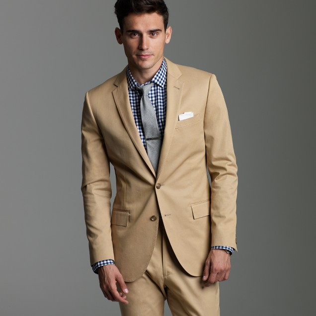 Ludlow two-button suit jacket with double-vented back in chino