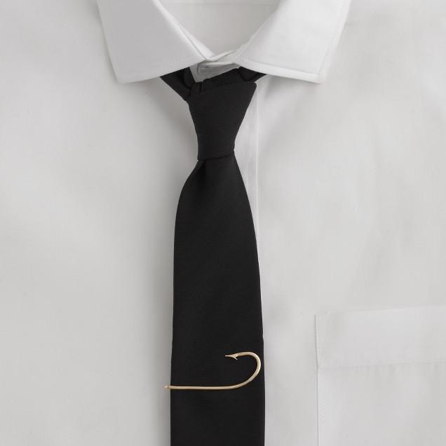 Hook tie bar