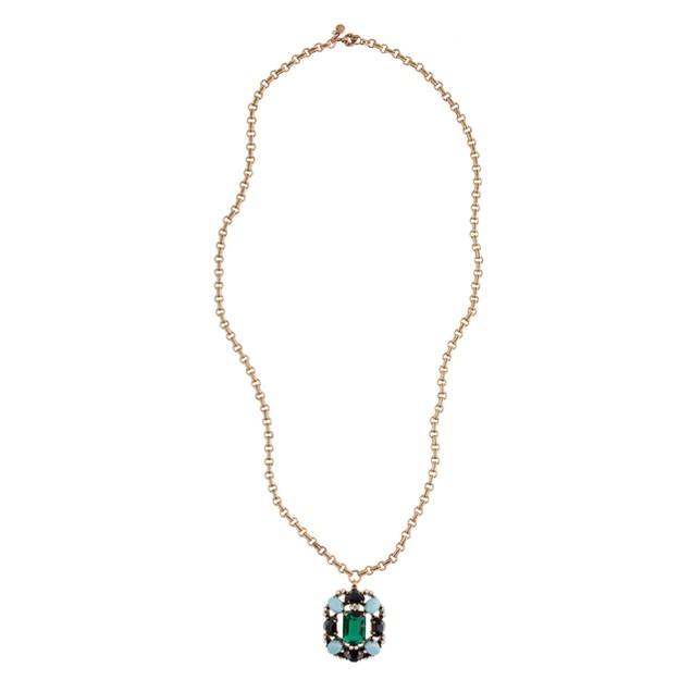 Grand stone pendant necklace