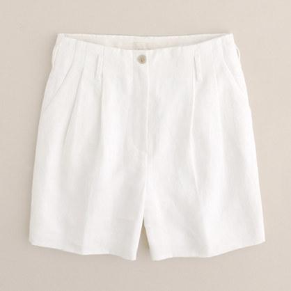 Summer short in lined crisp linen