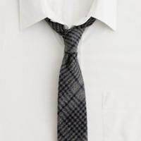 Sawtooth flannel tie
