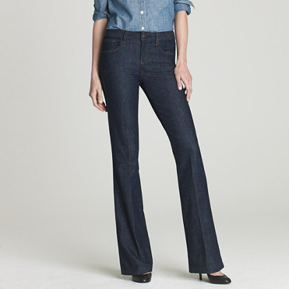 Classic flare jean in Jezebel wash