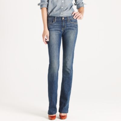 Bootcut jean in dance off wash :