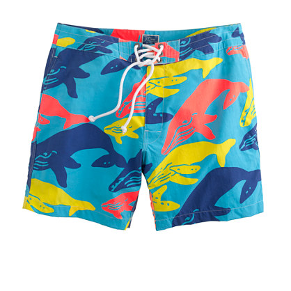 "7"" board shorts in whale print"