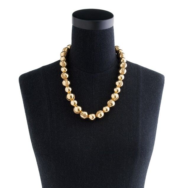 Metal pearl necklace