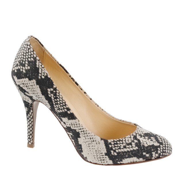 Mona printed pumps