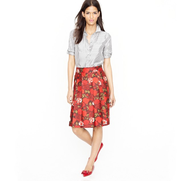 Silk pleat skirt in crimson floral