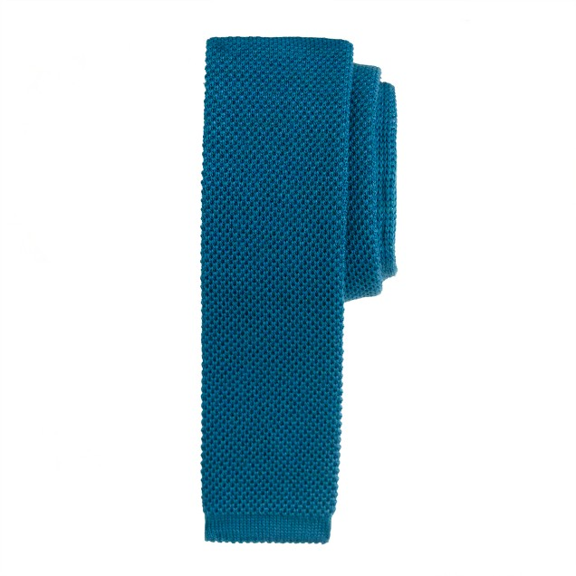 Wool knit tie in blue sapphire