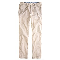 Lightweight chino in classic fit