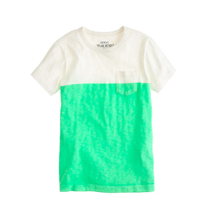 Boys' pocket tee in colorblock