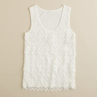 Scalloped lace shell