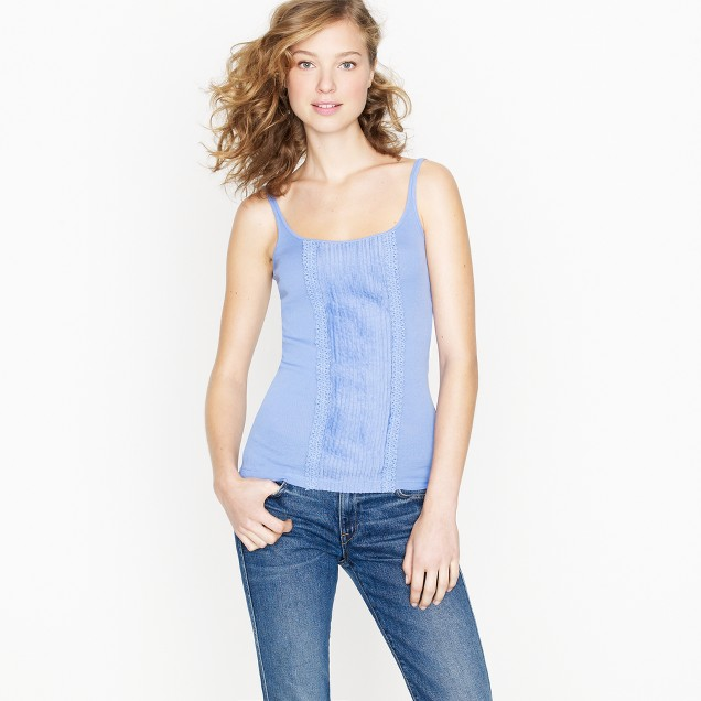 Perfect-fit ribboned tank