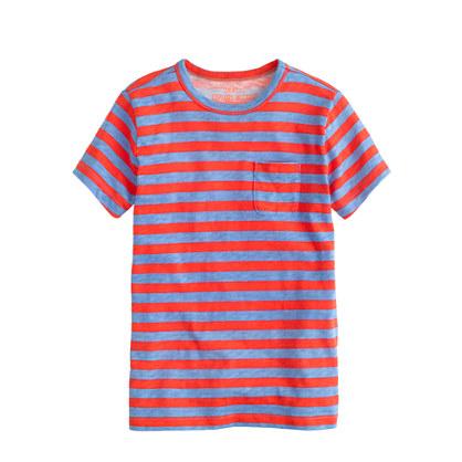 Boys' pocket tee in thin stripe